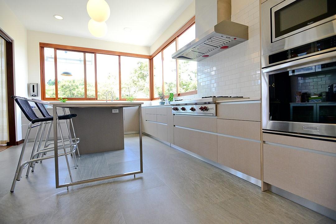Cocina en l con isla central materia prima blog - Mueble isla cocina ...