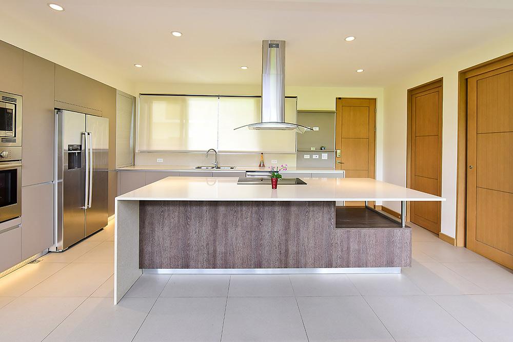 Muebles para cocina y cocinas de lujo for Enchapes para cocina modernos